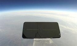 จะรอดหรือไม่ถ้าโทรศัพท์ขึ้นไปอยู่ในความสูงระดับ 103,000 ฟุต แล้วตกลงมา