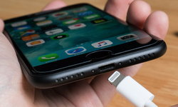 iOS 13 จะมีโหมดชะลอการชาร์จไฟเวลากลางคืน จะไม่ปล่อยเต็มจนกว่าจะใช้งาน