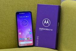 รีวิว Motorola One Vision มือถือหมื่นเดียว กล้อง 48 ล้านถ่ายกลางคืนไม่แพ้ใครแถมเป็น Android One ไม่โดนลอยแพ