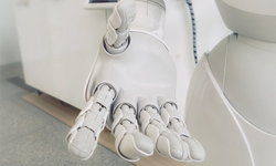 หุ่นยนต์ช่วยดูแลผู้ป่วยไวรัสโคโรนา