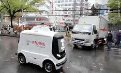 จีนทุ่มใช้เทคโนโลยีหุ่นยนต์ รถยนต์ไร้คนขับและอื่น ๆ แทนคนป้องกันการแพร่ไวรัส Covid-19