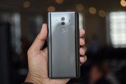 เผยภาพ Huawei Mate 20 Lite ชุดแรก มาพร้อมรอยบาก!