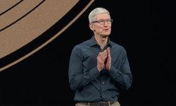 """Tim Cook ตอบเรื่องราคา """"เราอยากให้ทุกคนได้ใช้ iPhone"""""""