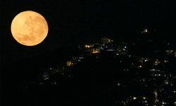 จีนเตรียมปล่อยพระจันทร์เทียม เพื่อหวังลดค่าไฟริมถนน!