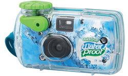 กลับมาอีกครั้ง Fujifilm วางขายกล้องฟิล์มใช้แล้วทิ้งกันน้ำได้ QuickSnap Waterproof 800