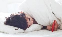 อีกงานวิจัยย้ำ โหมด Night Shift ของ iPhone ไม่ได้ช่วยให้นอนหลับได้ดีขึ้นมากเท่าไหร่