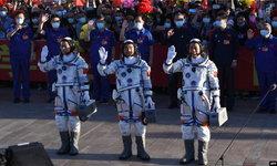 3 นักบินอวกาศจีนเดินทางถึงสถานีอวกาศจีนที่กำลังก่อสร้างแล้ว