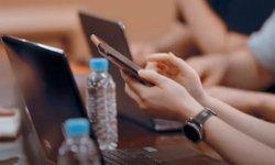 เผยภาพหลุดของ Galaxy Z Fold 3 และ Galaxy Watch 4 Classic ในวิดีโอของ Samsung