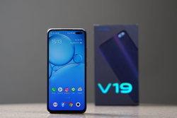 จับเครื่องจริง Vivo V19 สมาร์ตโฟน 6 กล้อง ถ่ายกลางคืนเยี่ยม