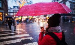 วิธีง่ายๆ ในการบำรุงดูแลรักษาโทรศัพท์ให้ปลอดภัยหลังโดนฝน