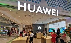 ภาพสิทธิบัตรเผย Huawei อาจกำลังพัฒนาสมาร์ตโฟนพับจอได้ ดีไซน์ฝาพับ