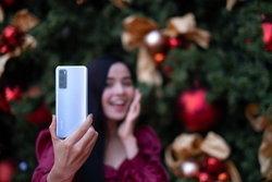 ได้เวลาแห่งความสดใส ชวนกันไปถ่ายรูปไฟสวย ๆ ช่วงคริสมาสต์และปีใหม่ ด้วย Vivo V20 SE