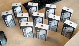 ใกล้สุดๆ ! iPhone 4 สีขาวพร้อมขายแล้ว!