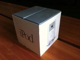 ฉลอง iPod อายุครบ 10 ปีด้วยภาพแกะกล่อง iPod รุ่นแรก!