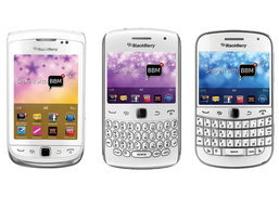 BlackBerry Bold 9900, Torch 9810 และ Curve 9360 สีขาวเปิดให้จองแล้ว