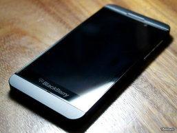 """มาอีกชุด ภาพ """"Blackberry L-Series"""" โผล่ในเวียดนาม"""