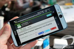 เปิดตัว HTC Desire Eye สมาร์ทโฟนกันน้ำได้!