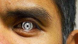 เทคโนโลยีปฏิวัติการมอง พบกับคอนแทคเลนส์ซูมภาพได้แค่เพียงขยิบตา