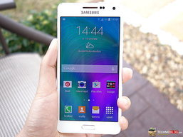 [รีวิว] Samsung Galaxy A5 มือถือดีไซน์เรียบหรู