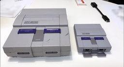 เทียบกันชัดๆ Super Famicom Mini โซนอเมริกากับเครื่องเกมต้นฉบับที่เล็กลงมาก
