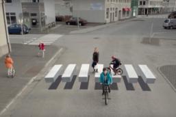 ไอซ์แลนด์โชว์ไอเดียเก๋สร้างทางม้าลายแบบ 3 มิติ หวังลดอุบัติเหตุ