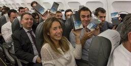 สายการบินรายหนึ่งในสเปน แจก Galaxy Note 8 ฟรีให้กับผู้เดินทางกว่า 200 ชีวิต