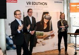 """ซัมซุงริเริ่มโครงการ """"VR Eduthon"""" พานักเรียนท่องไปในร่างกายมนุษย์ผ่านแว่นตาโลกเสมือนจริง"""