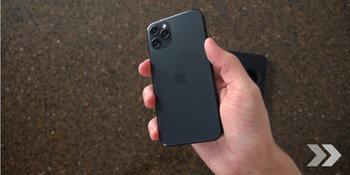 iPhone 12  iPhone 12