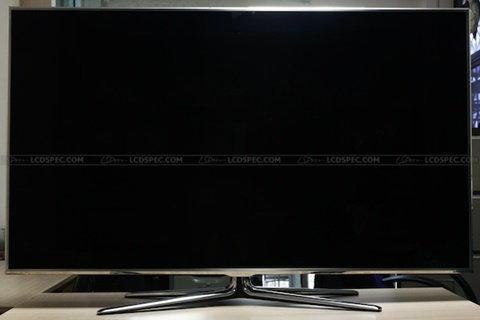 ด้วยความเป็น LED TV ระดับบนๆ ของตลาด ในส่วนของสเปก UA55D8000YR เรียกได้ว่าสมกับความที่เป็น Samsung เพราะได้มีการจัดเต็มหมดทุกอย่างเลย ซึ่งเป็น LED TV ทีใช้เทคโนโลยีเป็นแบบ EDGE LED พร้อมทั้งยังมีคุณสมบัติในการทำ Local Dimming ได้ พร้อมหน้าจอคุณภาพสูงอย่าง Ultra Clear Panel และอย่างที่รู้กันคือ หน้าจอขนาดใหญ่ 55″ ในความละเอียดระดับ Full HD ก็พร้อมที่จะตอบสนองทุกการใช้งานได้อย่างเต็มที่ที่สุด