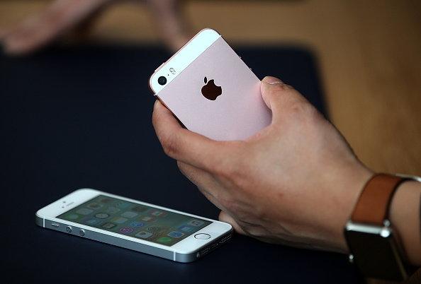 กล้องหลัง 12 ล้านมาพร้อมกับ iPhone SE
