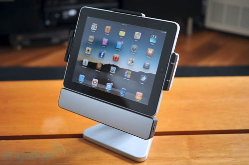 แท่นวาง iPad สุดเจ๋ง ! แปลงร่างเป็น iMac น้อยๆ เท่ห์ระเบิดเลย