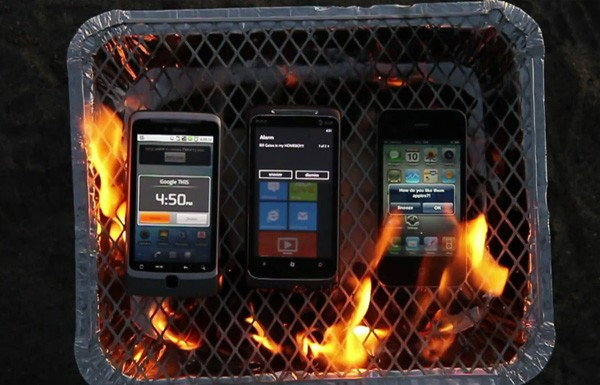 เผากันจริงๆ iPhone4 , Android และ WP7 เกรียมมมม