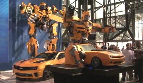 เค้กหุ่นยักษ์ Transformers หนัก 1 ตัน