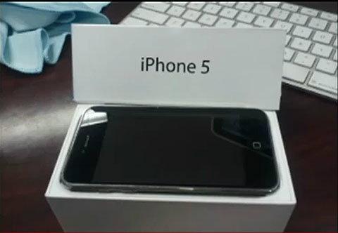 ฮือฮา!! คลิปแกะกล่อง iPhone 5