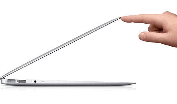 Apple ทำการทดสอบหน้าจอ 15″ สำหรับ MacBook แบบบางพิเศษรุ่นใหม่แล้ว!?