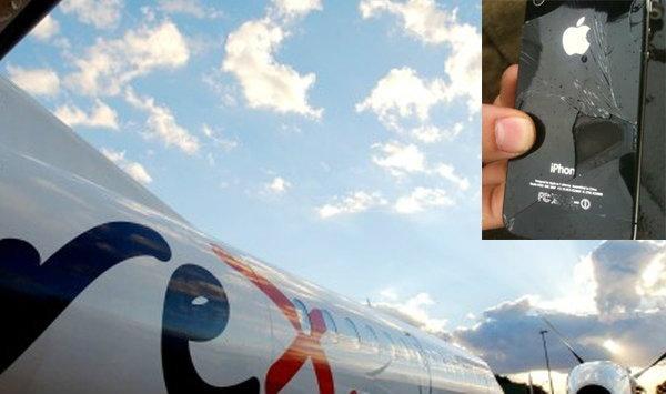 iPhone ร้อนจนควันขึ้นเองตอนเครื่องบินร่อนลงจอด