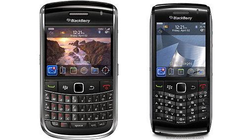 ทำความรู้จัก  BlackBerry 2 รุ่นใหม่  ก่อนใคร