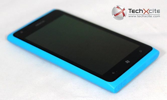 Review : Nokia Lumia 900 ใหม่ล่าสุด