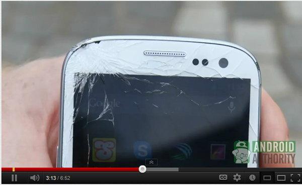 ทดสอบกัน iPhone5 กับ S3 ตกพื้นจะเป็นยังไง