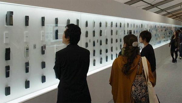ย้อนรอยวิวัฒนาการของโทรศัพท์มือถือ 25 ปีที่ผ่านมา!!