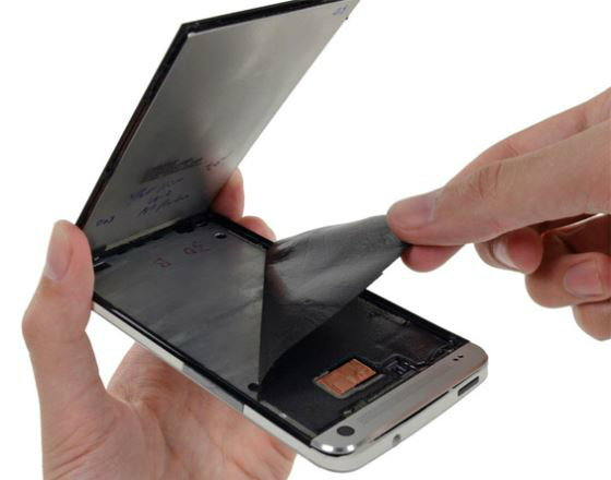 "iFixit ชำแหละ HTC One แฉ""ซ่อมยาก"""
