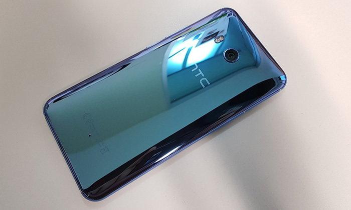 ลือ HTC กำลังจะทำมือถือ U11 ย่อส่วนพร้อมฟีเจอร์บีบได้