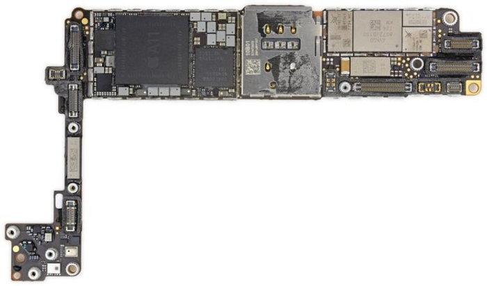iphone8logicboard-800x470-758