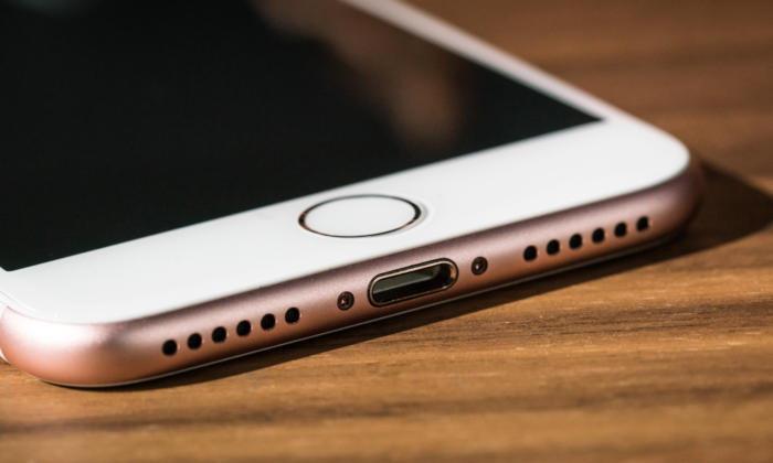 ยอมเหมือนชาวบ้าน iPhone 8 อาจใช้พอร์ท USB-C แทน Lightning แล้ว