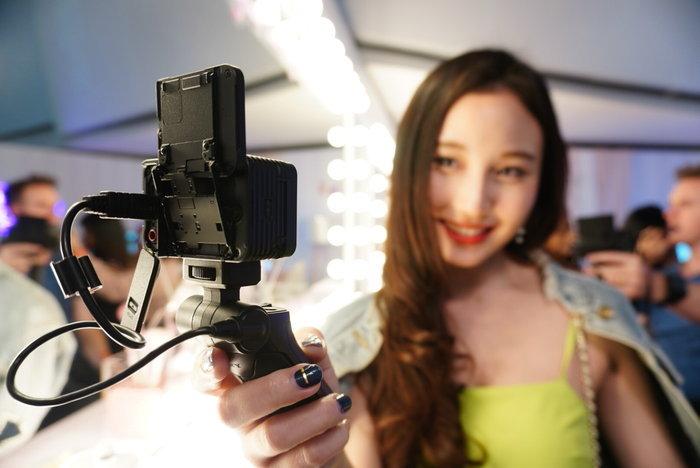 Sony เปิดตัว RX0 Mark II กล้องอัลตร้าคอมแพ็คไซส์เล็กกว่าฝ่ามือ พร้อมจอพับเซลฟี่