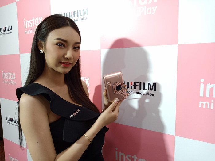 ฟูจิฟิล์มเปิดตัว Instax mini LiPlay : เป็นได้ทั้งกล้องและเครื่องพิมพ์ภาพ แถมอัดเสียงได้