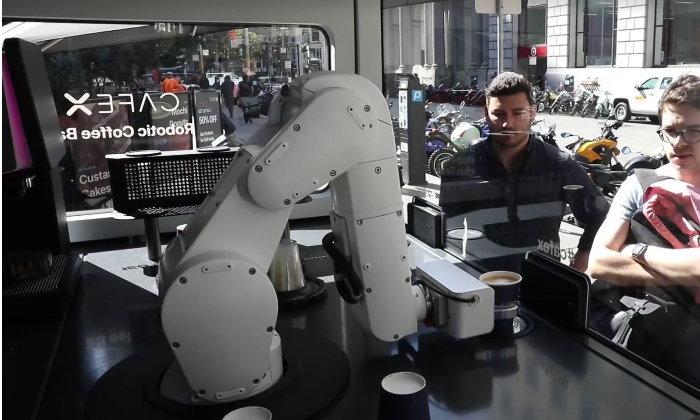 """""""หุ่นยนต์บาริสต้า"""" ทางเลือกใหม่สำหรับนักดื่มกาแฟ"""