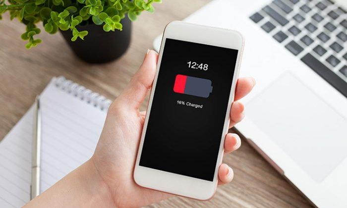 Apple เผย! การเปลี่ยนแบตเตอรี่ ส่งผลกระทบต่อยอดขาย iPhone