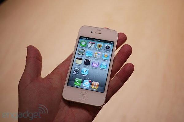 ภาพ iPhone 4 ตัวจริงและ Spec อย่างเป็นทางการ