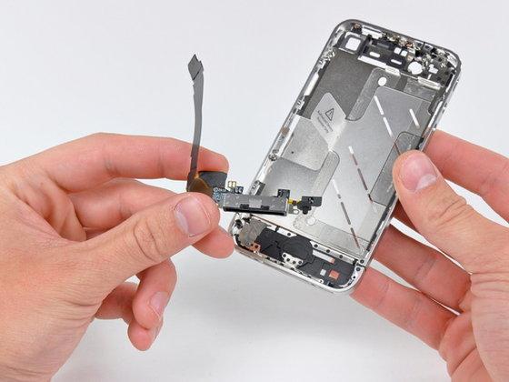 ชำแหละ ผ่า iPhone 4 หมดใส้หมดพุง